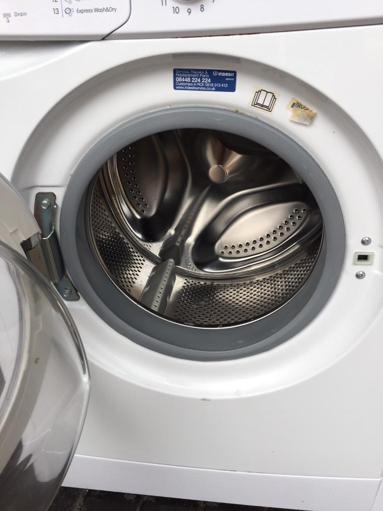 Indesit washer / dryer