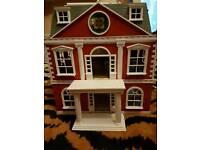 Salvanian doll house