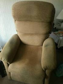 Electric upright chair