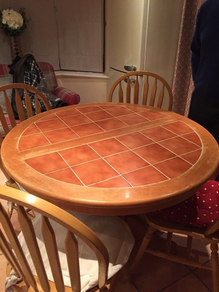 Round Expanding Dining Table And 4 Chairs Easy To Expand Seats 8 People