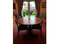 Teak - Dining table (extends) and 4 chairs