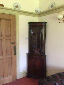 Corner regency display cabinet