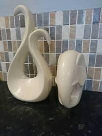 2 cream pot ornaments