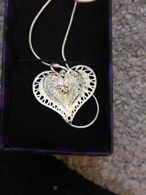 Beautiful sterling silver 925 hall marked necklace