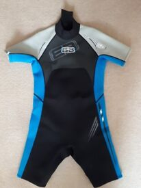 "Youths Large Shortie Wetsuit 35 "" Chest from The Wetsuit Factory Liskeard Cornwall New Unused"