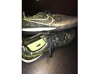 Nike Majista Astro trainers