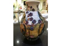 Moorcroft Pottery - Table lamp & vase (Bramble pattern), excellent condition - Reduced price