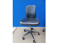 Leather Black chair on castors Genuine leather (Delivery)