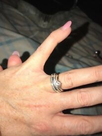 White gold engagement ring 1 carrot