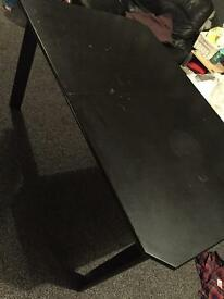 Dining extendable table and for chairs