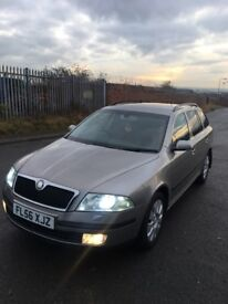 Skoda Estate tdi Elegance top spec xenons parking sensors fsh first to see will buy