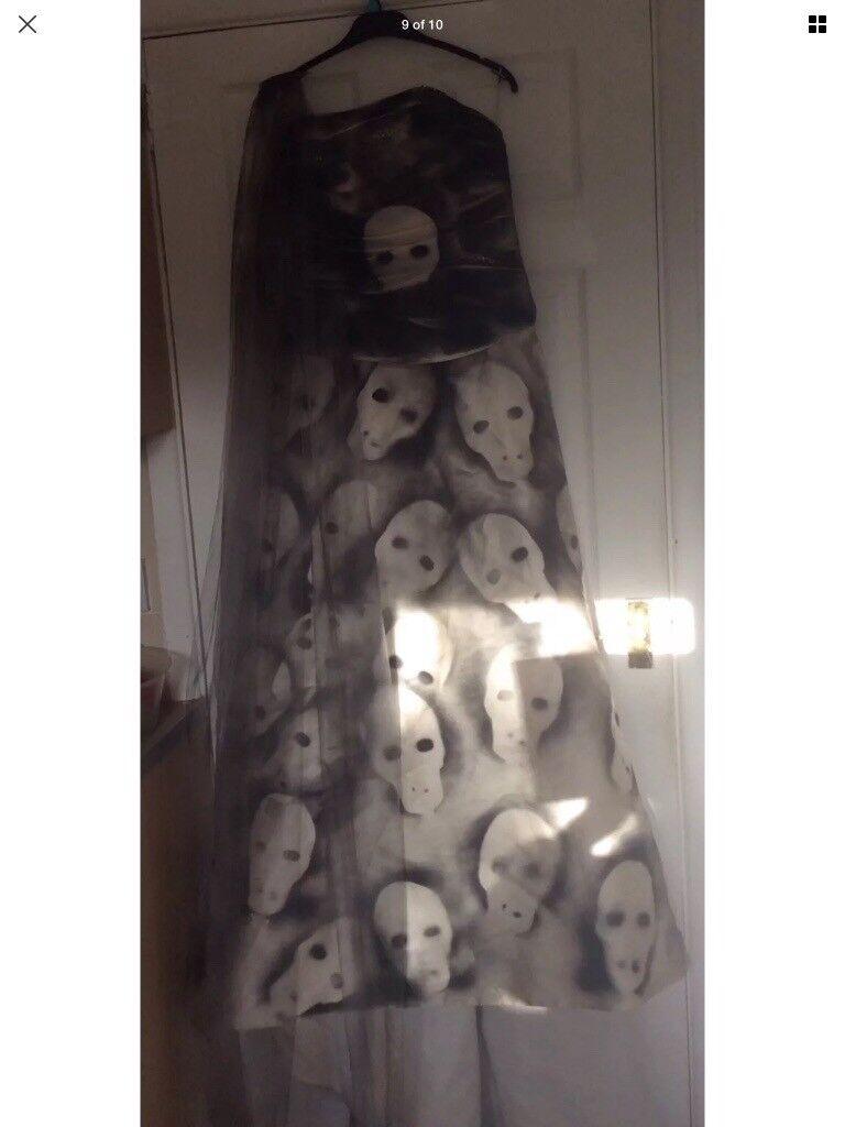 Halloween skull / skeleton wedding dress See More One Off Halloween items .