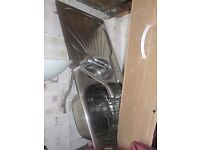 2 Kitchen sinks