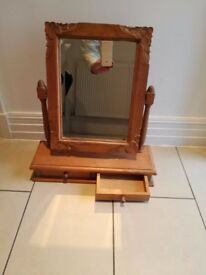 Freestanding Dressing Table Mirror with Vanity Drawers