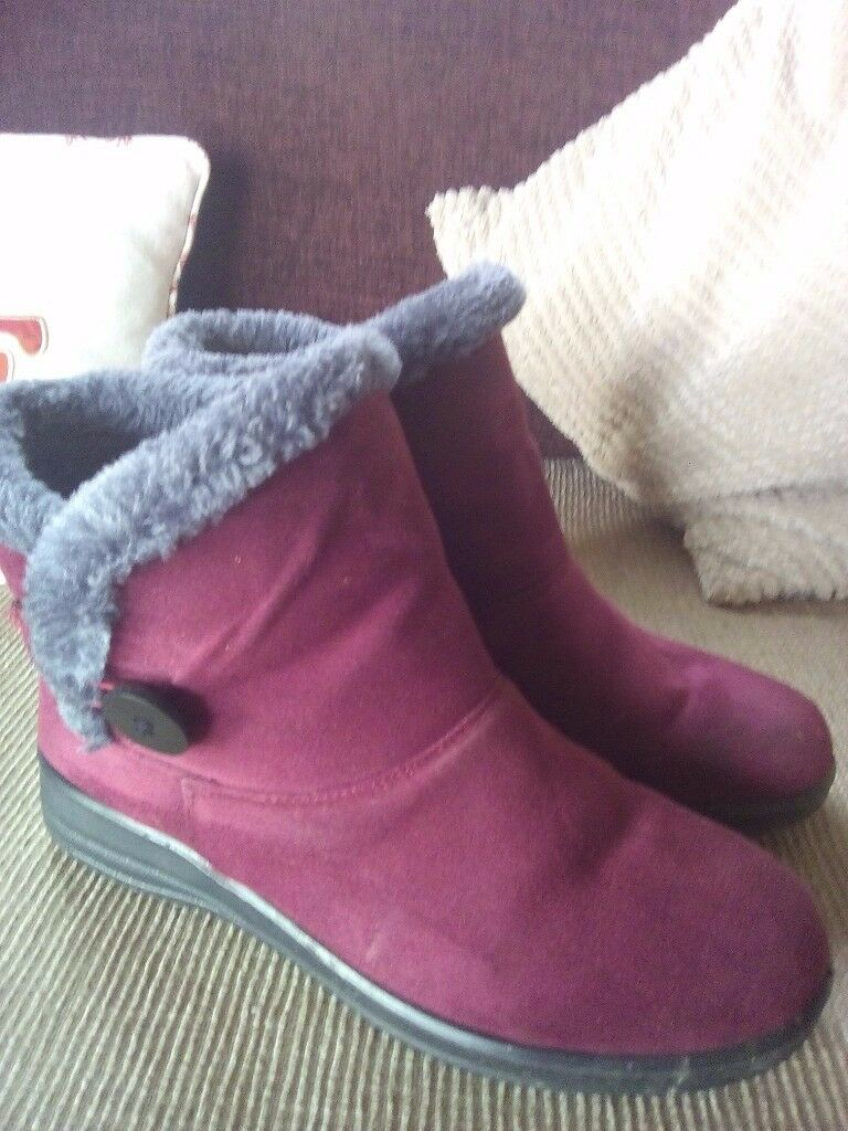 For Sale : Burgundy Short Booties