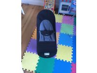 BabyBjorn bouncer black and grey