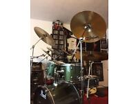 Pearl Forum Series Drum Set
