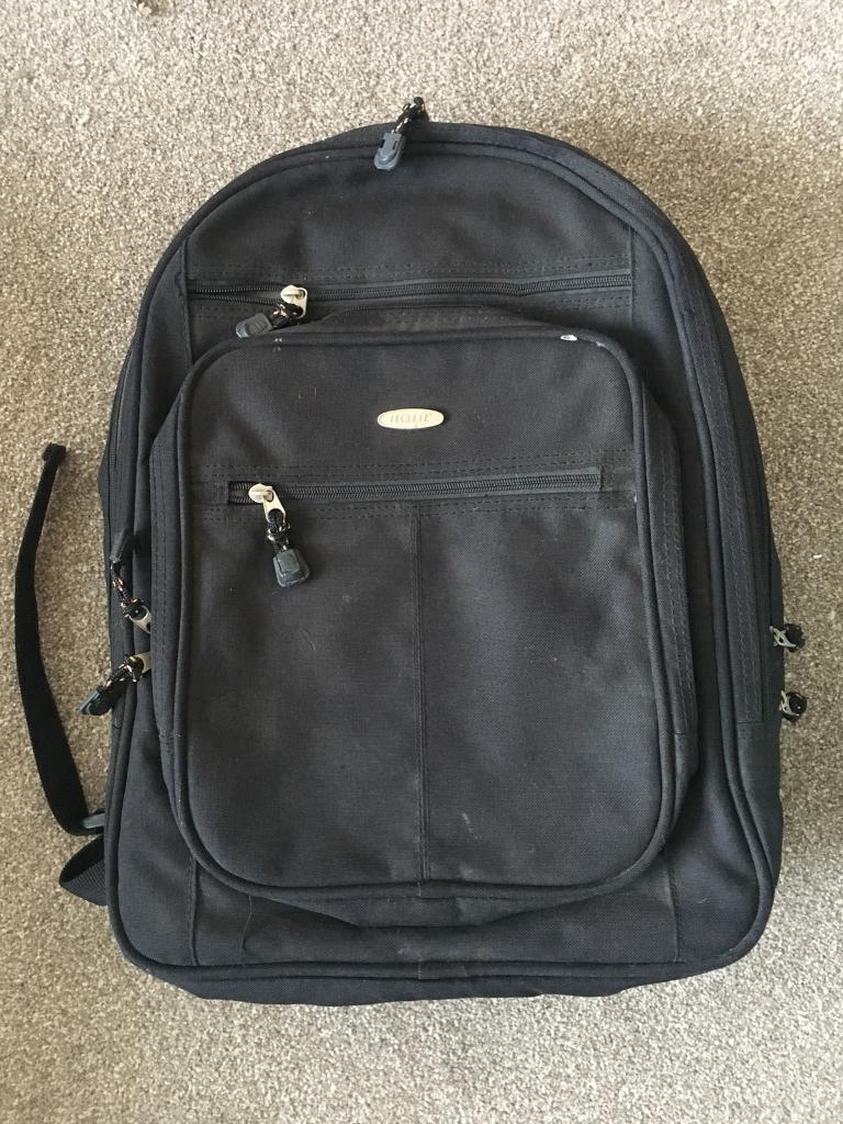 Techair laptop bag with multiple compartments