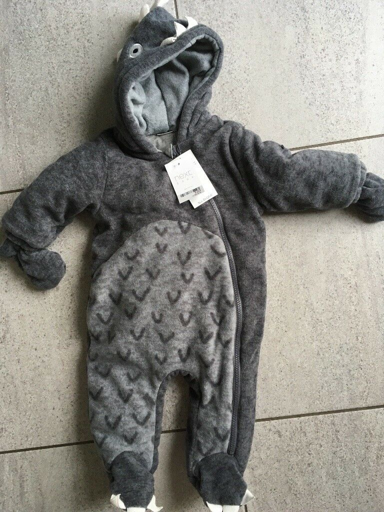 Baby brand new winter suit (3-6mnth)