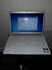 Laptop SONY vayo PCG-61611M