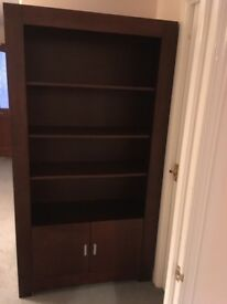 BARGAIN - DARK WOODEN BOOKCASE WITH CUPBOARD AT THE BASE - EXCELLENT CONDITION