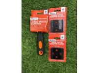 Harris large wood scraper and 4 new blades. Free delivery within a 50 mile radius.