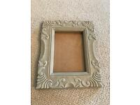 Heavy picture frame