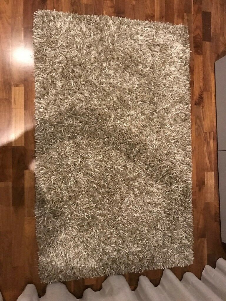 Excellent Condition Second Hand Rug