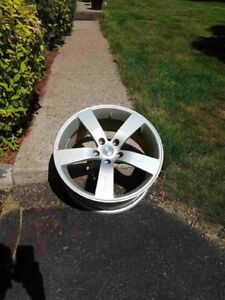 18 inch Alloy rims 5 x 114 bolt patter
