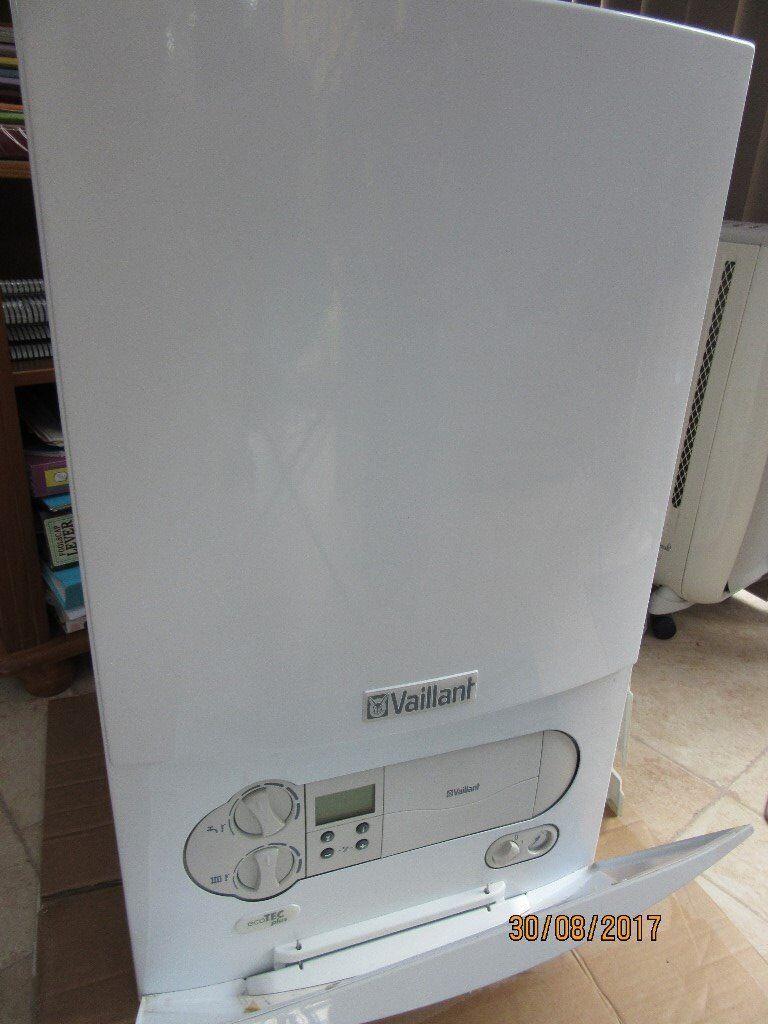 Vaillant Ecotec Plus 618r1 Condenser Boiler In Totton Hampshire