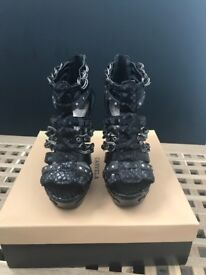 Carvela size 4/37 high heel platform shoes