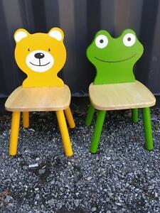 "2 CUTE WOOD KIDS CHILDRENS CHAIRS 20X12X12""  OAKVILLE 905 510-8720  TODDLER SIZE"