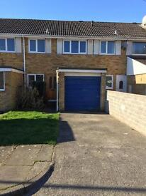 Modern 3 Bed Mid Link Property in the popular residential area of Newton in the town of Porthcawl.