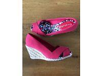 Ladies wedge heeled shoes