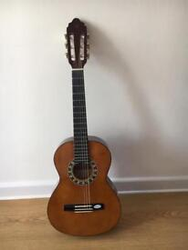 VALENCIS 1/2 CLASSIC GUITAR CURRENTLY LEFT STRUNG