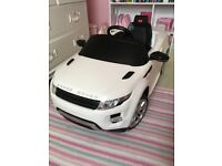 USED but **EXCELLENT** condition Home/ Range Rover Evoque Licensed 12v Electric Ride on Car - White
