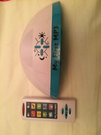 TWO KIDS MP3 PLAYER AND DOCKING STATION TOY