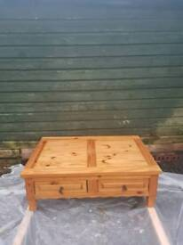 Very nice 4 draw coffee table (pine)