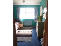 2 double rooms to let in 3 bedroom semidetached house