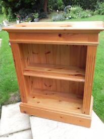 Small pine bookcase/display unit