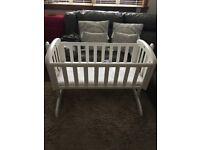 Troll white crib