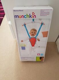 Munchkin Bounce About Bouncer Used twice with box