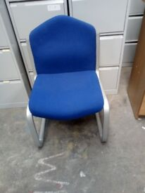 5 X BLUE MEETING CHAIRS WITH STEEL LEGS!