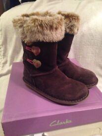 Clark's girls boots 11F