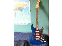 Fender Deluxe Player Stratocaster - Rosewood Fingerboard - Sapphire Blue Transparent