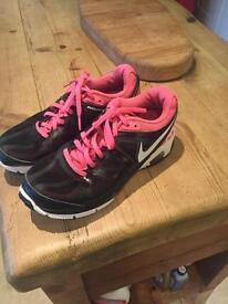Girls Nike air max 4.5 uk
