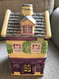 Cookie jar/biscuit jar ornament decorative collectors