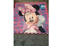 Minnie Mouse play mats/large jigsaw