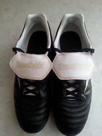 Reebok Integrity Astro Turf Trainers Size 7