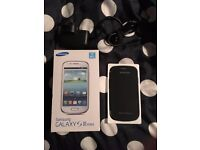 White Unlocked Samsung Galaxy S3 Mini (8gb) - Boxed with Accessories